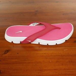 Nike Flip Flops. Womens Size 7.